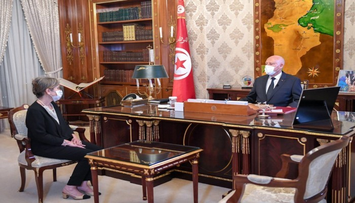 حكومة تونس الجديدة.. موالون لقيس سعيد يقسمون على دستور معطل