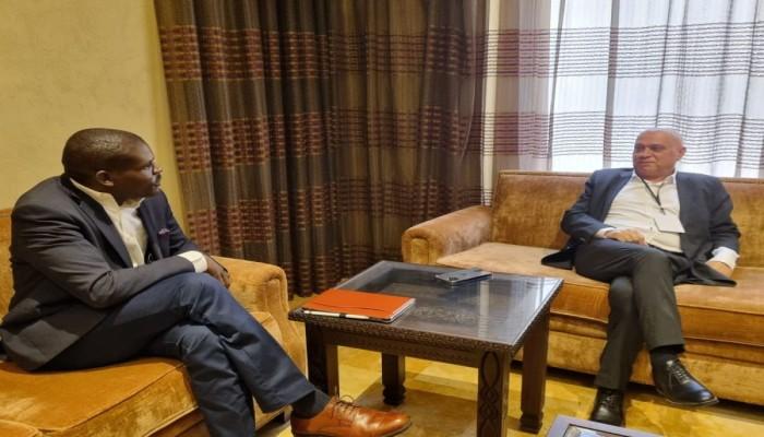 برعاية إماراتية.. وزير العدل السوداني يلتقي مسؤولا إسرائيليا لبحث التعاون الثنائي