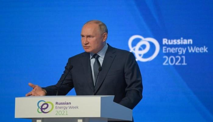 بوتين: بلوغ سعر النفط 100 دولار للبرميل أمر ممكن تماما (فيديو)