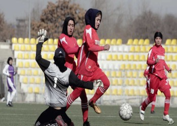 بدعم قطري.. فيفا يعلن إجلاء 100 لاعب ولاعبة أفغانية للدوحة
