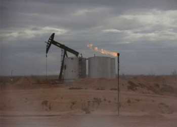 النفط يتجاوز 85 دولارا مدعوما بنقص المعروض