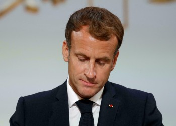 لكسب ودهم.. ماكرون سيشارك بإحياء ذكرى ضحايا جزائريين قتلتهم فرنسا
