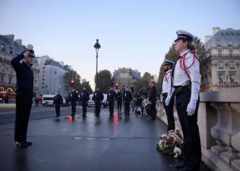 بدقيقة صمت وإكليل زهور.. فرنسا تكرم ضحايا الجزائر في مذبحة 1961