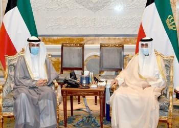 تمهيدا لعفو عام وتسوية سياسية.. أمير الكويت يلتقي رئيسي الحكومة والبرلمان