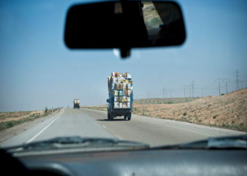 لخفض التوتر مع أذربيجان.. إيران تحظر عبور شاحناتها منطقة قره باغ