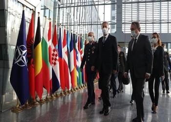 وزير الدفاع التركي يبحث مع نظرائه في الناتو مسائل أمنية ودفاعية