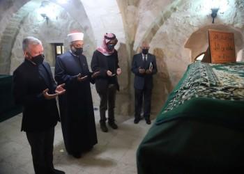 العاهل الأردني يزور مقام الصحابي معاذ بن جبل (صور)