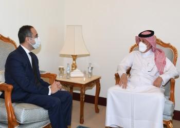 وزير قطري يلتقي السفير المصري بالدوحة.. ماذا بحثا؟