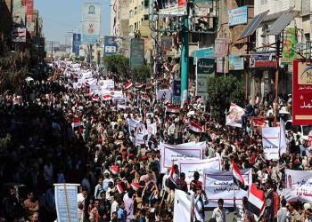 بين الثورة على النظام والحنين لأيامه